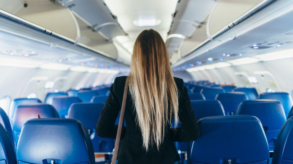 En écoutant une conversation dans un avion, elle empêche un homme de harceler une ado
