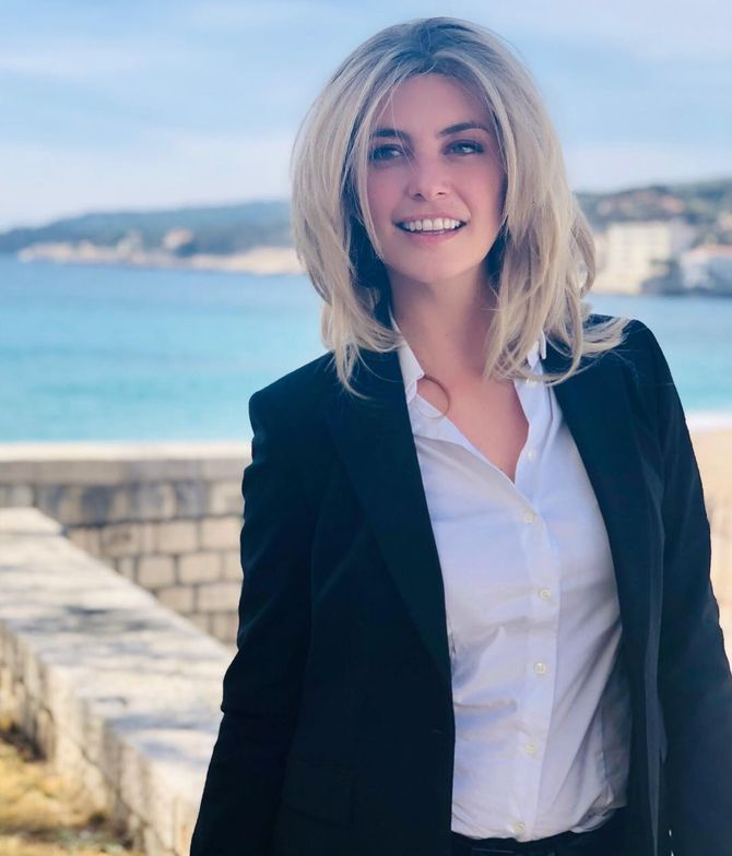 Laetitia Milot passe au carré blond, et divise la Toile (Photo)
