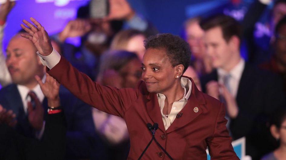 Noire, ouvertement homosexuelle et mère de famille, Lori Lightfoot a été élue maire de Chicago