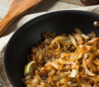 Cebolla caramelizada: cómo prepararla paso a paso