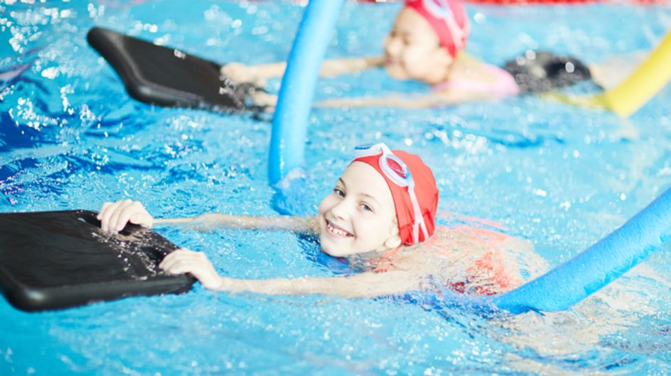 Faut-il apprendre la natation dès la maternelle pour lutter contre les noyades infantiles?