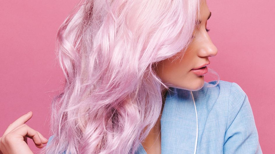 Haare entfärben: Mit diesen Tipps & Hausmitteln gelingt's