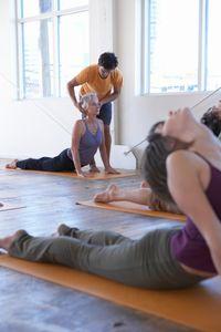 Le yoga permet de travailler l'équilibre, la musculature profonde, la souplesse. Découvrez 10 sortes de yoga à tester.