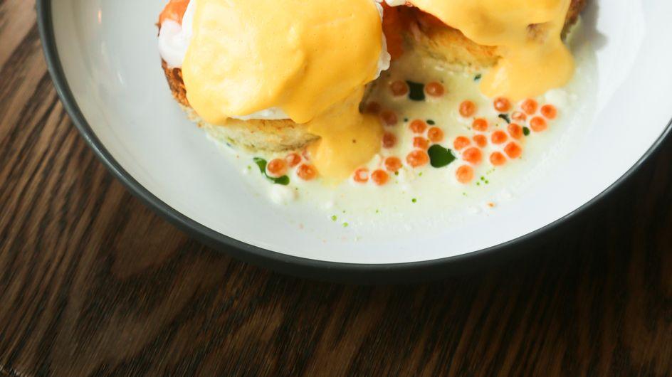 Huevos benedictinos: los reyes del 'brunch' paso a paso