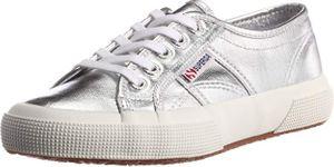 Las zapatillas con lazo de PUMA más chic del momento