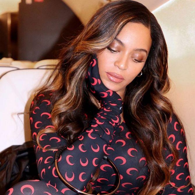 Beyoncé change de couleur de cheveux et crée une nouvelle tendance