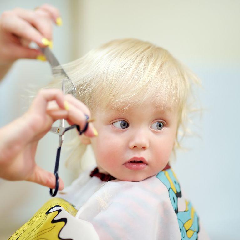 Babys Erster Haarschnitt 5 Tipps Für Den Besuch Beim Friseur