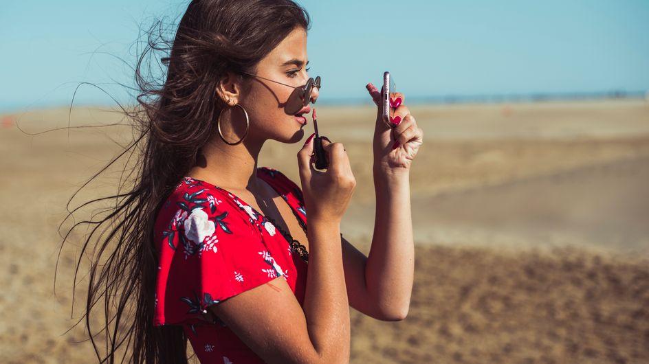 Beauty bag estate 2019: ecco cosa non può mancare per un look estivo al top!