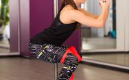 5 ejercicios de sentadillas con banda elástica para fortalecer tus glúteos
