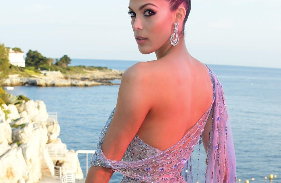 Iris Mittenaere éblouit la Croisette dans une somptueuse robe incrustée de bijoux