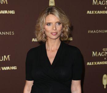 Sylvie Tellier ressemble comme deux gouttes d'eau à ses soeurs, la preuve en pho