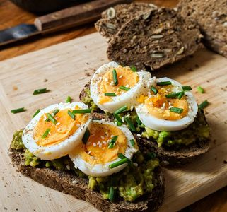 Avocado e uova