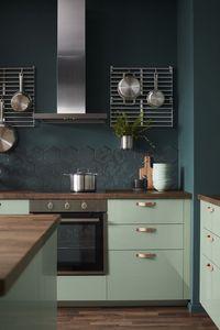 Des meubles de cuisine vert