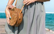 It-Piece im Sommer: So kombinierst du Bast- und Korbtaschen richtig
