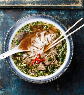 Ami la cucina asiatica? Scopri il Pho vietnamita, la nuova zuppa che sta sostitu