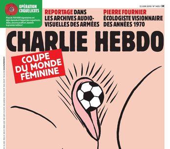 La Une de Charlie hebdo sur le foot féminin ne laisse pas les internautes indiff