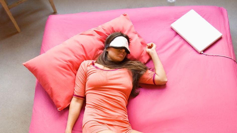 Schlafzimmer kühlen: Die besten Tricks - ohne Klimaanlage!