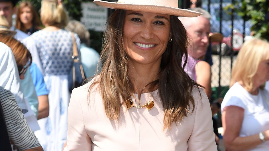 En rose, Pippa Middleton fait sensation aux côtés de son frère à Wimbledon