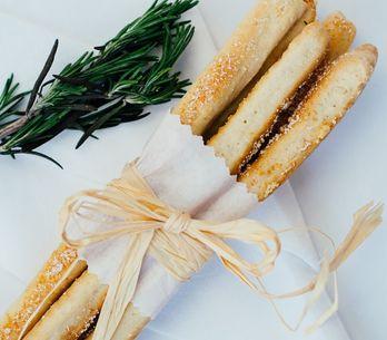 Receta de grisines italianos: un acompañante perfecto para cualquier comida