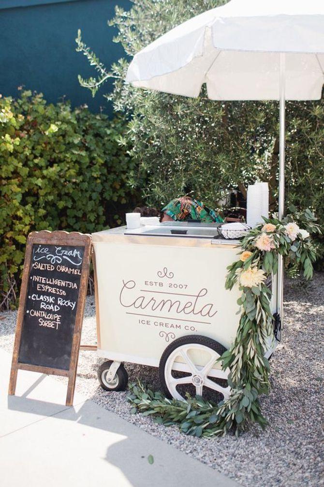 Un stand de glaces pour un mariage