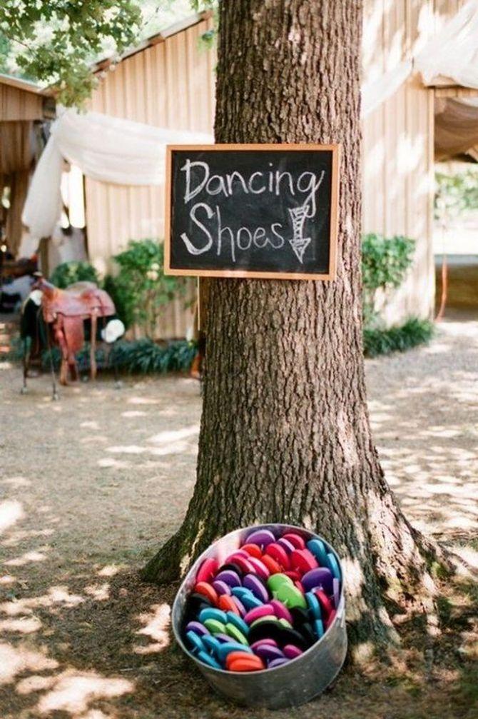 Des tongs pour danser pendant le mariage