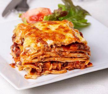 Lasagna fatta in casa: un grande classico in poche mosse!