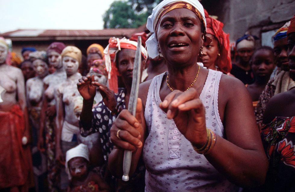 Comment les sociétés secrètes font perdurer la pratique de l'excision en Sierra Leone