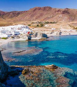 Las 10 playas imprescindibles de Almería que debes visitar