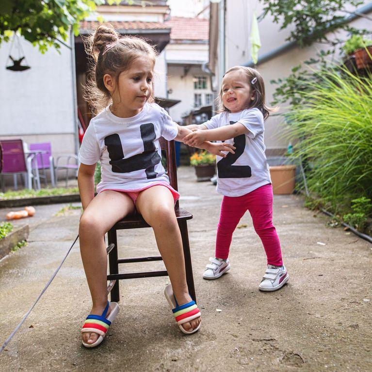 erziehung was tun wenn die eigenen kinder st ndig streiten. Black Bedroom Furniture Sets. Home Design Ideas