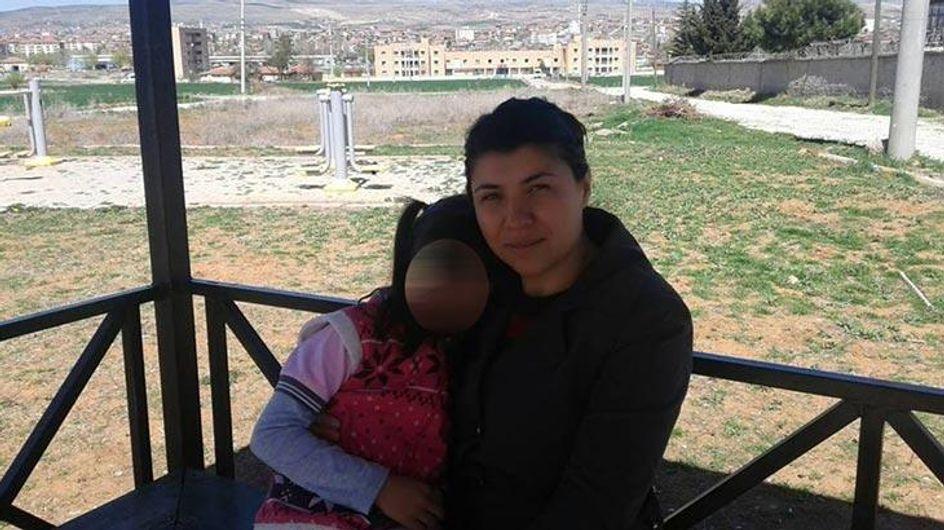Tuée par son ex-mari, le meurtre filmé d'Emine Bulut choque la Turquie