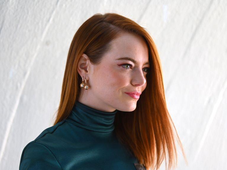 La première photo d'Emma Stone en Cruella a été dévoilée