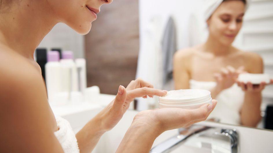 Cremas de noche: cómo cuidar la piel mientras duermes