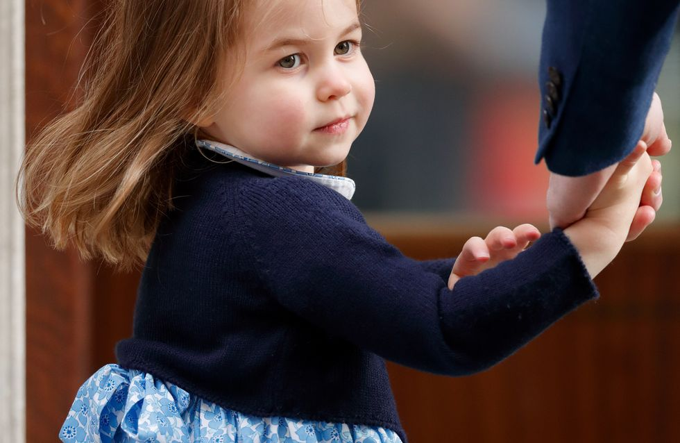 Princesse Charlotte rentre à l'école avec un cartable déjà bien chargé !