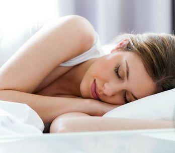 5 consejos de belleza para cuidar tu pelo mientras duermes
