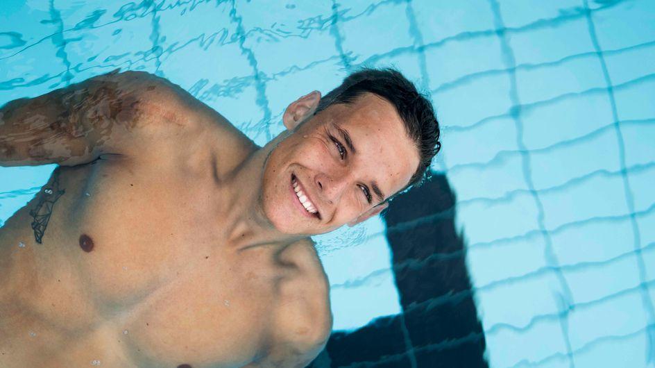 Amputé de ses 4 membres, le nageur Théo Curin devient égérie Biotherm