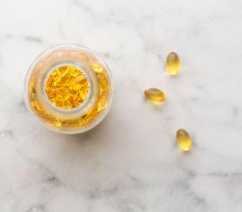 Aceite de Onagra, todo lo que deberías saber sobre cómo una flor puede mejorar t
