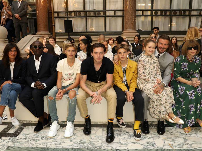 Le clan Beckham au grand complet pour soutenir Victoria Beckham lors de son défilé