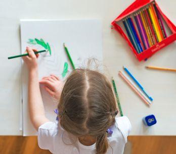 Todo el material escolar necesario para niños zurdos