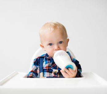 ¿Sabes cómo escoger la mejor taza para tu bebé?