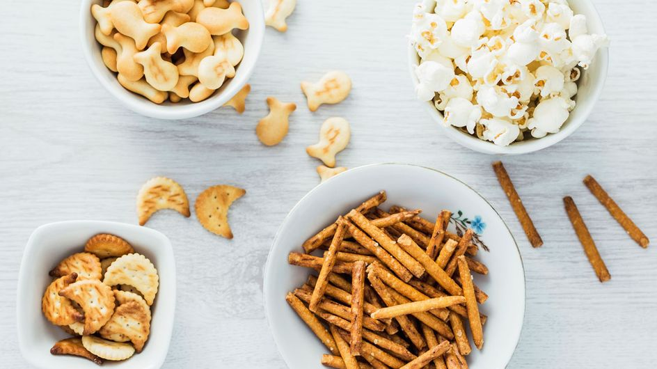 Party-Snacks selber machen: 3 Cracker-Rezepte zum Wegknuspern