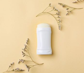 Deodorante fai-da-te: le 4 migliori ricette per un deodorante naturale