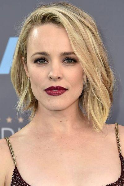 Corte de cabello semi corto desfilado