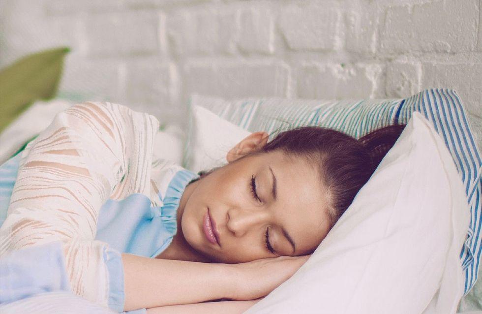 Dormir con el pelo recogido: ¿sí o no?