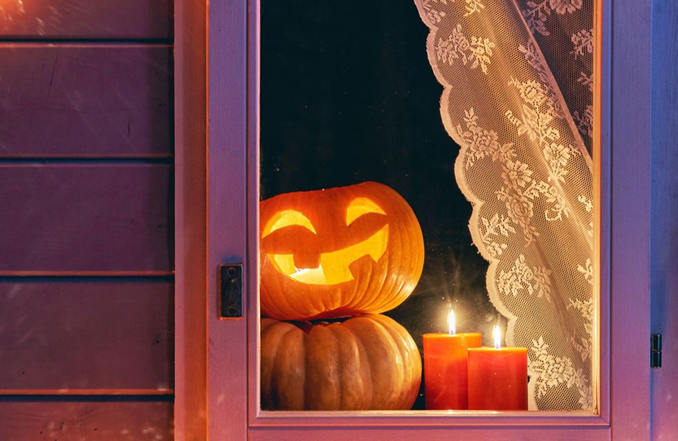 Halloween-Fensterdeko: 5 Ideen, die für Grusel-Feeling sorgen