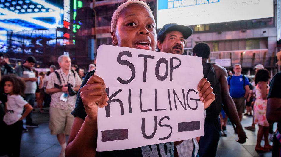 Une femme noire abattue sans raison chez elle par un policier blanc