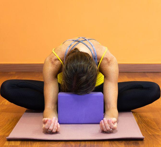 Le yin yoga, un yoga doux et immobile qui permet de relâcher. Découvrez-le en détails.