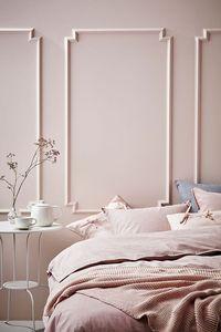 Une chambre rose poudré