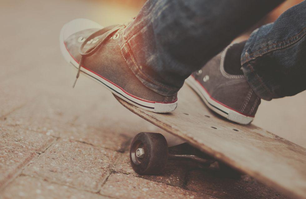 Un petit garçon atteint d'un handicap moteur réussit à faire du skate grâce à une machine