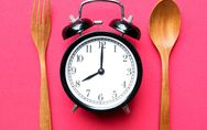 Schneller kochen: 11 Tricks, mit denen ihr in der Küche Zeit spart