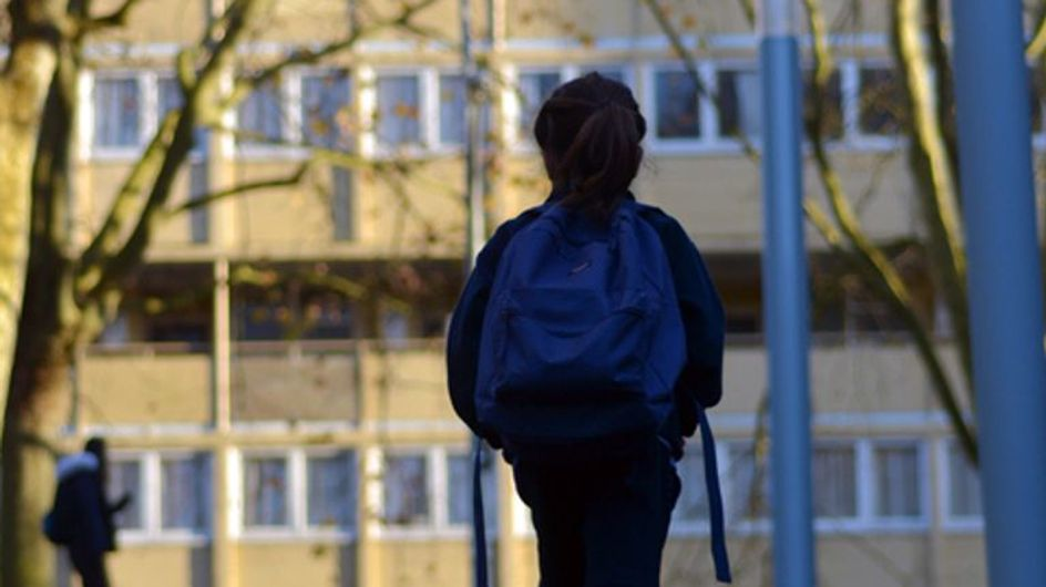 Suite au viol en réunion d'une collégienne, le corps enseignant pointé du doigt